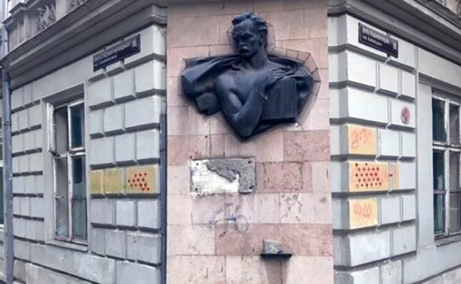 Западэнский хуторок оставил киевских «умников» в дураках