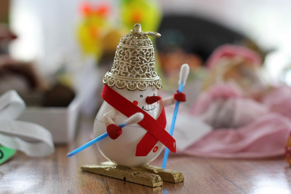 Новогодние игрушки из лампочек (3 мастер-класса)