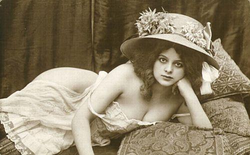 Пирснг, секс-терапия и капелька мышьяка или несколько самых безумных писков викторианской женской моды