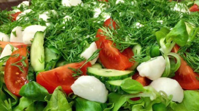 Самый вкусный салат с моцареллой