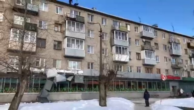 Адская уборка снега с крыши