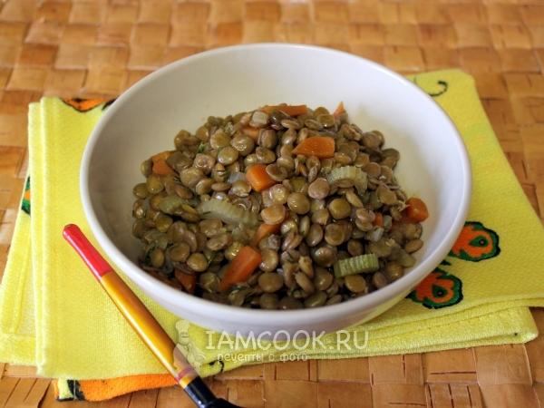 Чечевичная каша с овощами