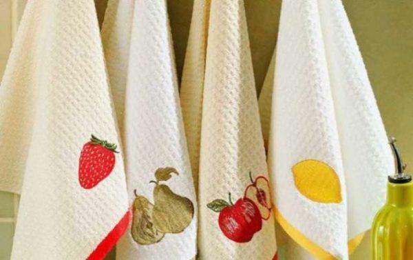 Эффективно отстирываем кухонные полотенца от жира и грязи