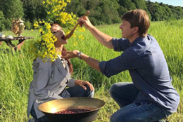 Алексей Ягудин осыпал поцелуями грудь Эвелины Бледанс
