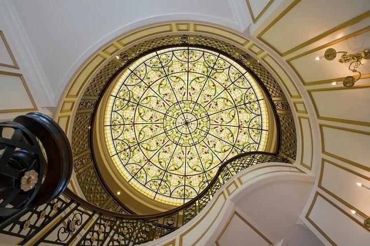 Изысканные потолочные конструкции