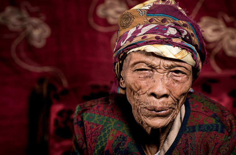Как сегодня живут древнейшие в мире племена