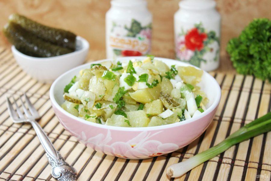 Салат с картошкой и солеными огурчиками