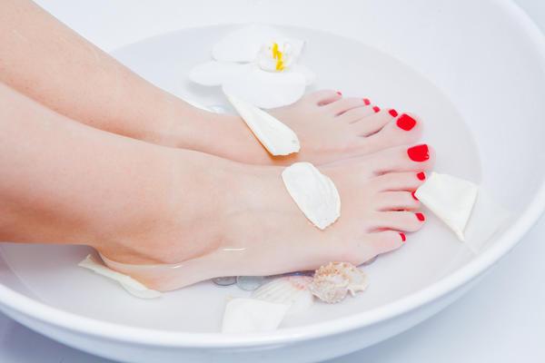 Сода для снятия усталости ног