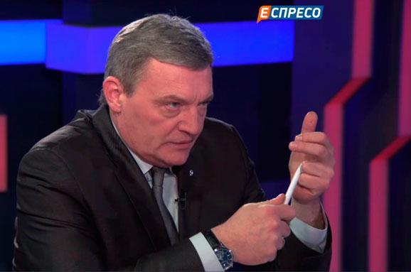 Укроп гражданам Незалежной «Власть не отдадим, мы умеем стрелять так, что мало не покажется»