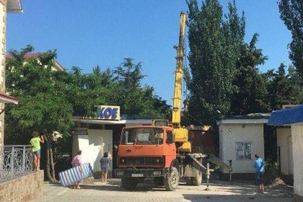 ЧКХ и позор вице-спикера Крыма. Местный бизнес плюет на российские законы