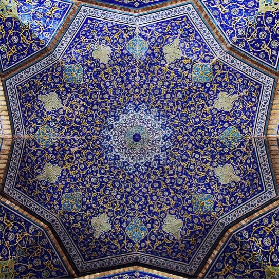 Гипнотизирующая иранская мозаика