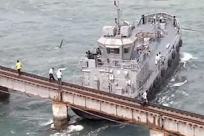 Упрямые капитаны, которые думали что проплывут под мостом