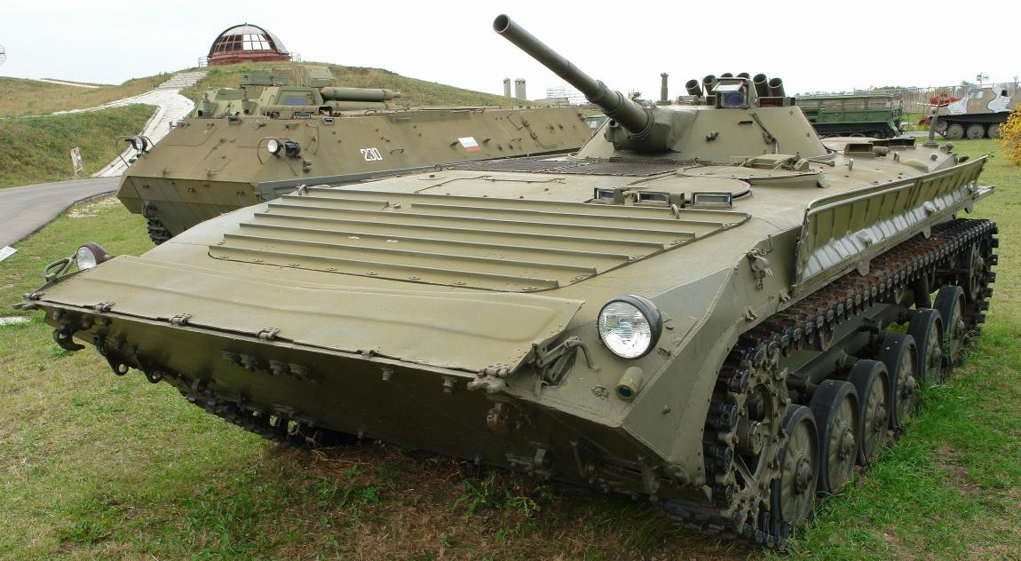 Министерство обороны России возвращает в строй бронетехнику 60-х.