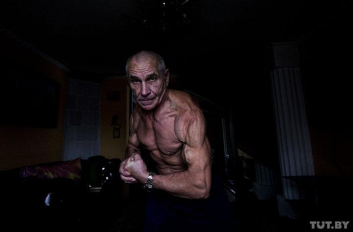 «Так обидно, когда в автобусе место уступают» — 70-летний пенсионер решил больше не стареть