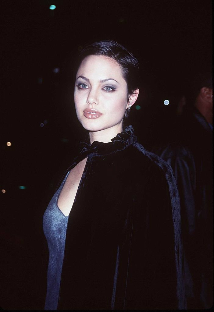 Эволюция стиля Анджелины Джоли за 19 лет. Галерея №1