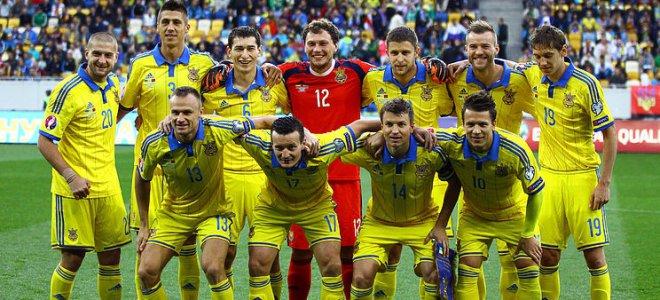 Порошенко вооружил футболистов сборной Украины огнестрелом к Евро-2016
