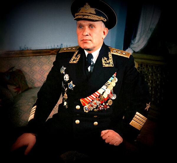 Главком ВМФ против бати ВДВ:…