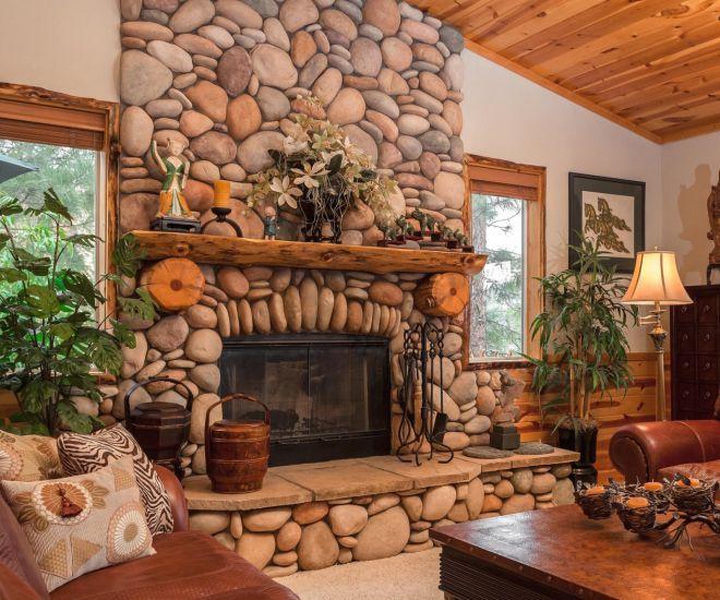 декор гостиной с камином