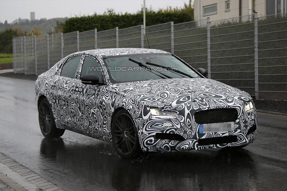 Jaguar приступил к тестам нового поколения XF
