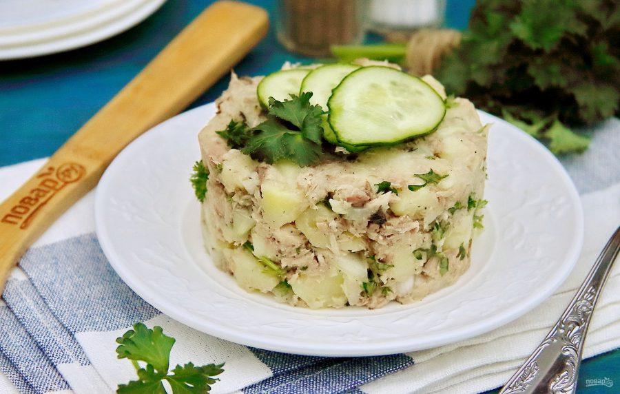 Салат с картошкой и тунцом