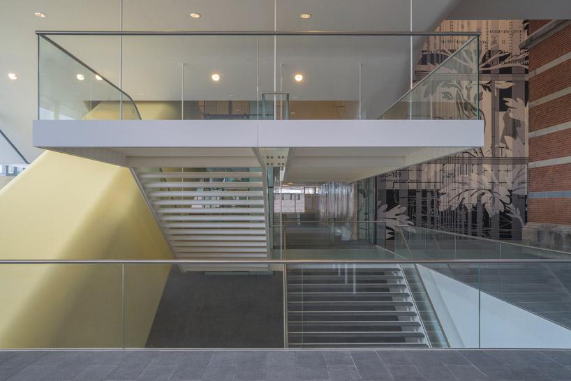 «Ванна» музея Стеделейк