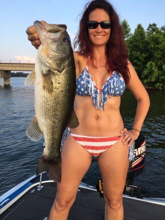 Готовьте свои спиннинги, пора на рыбалку!  (35 фото)
