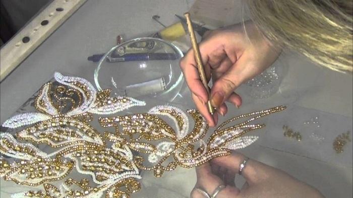 Люневильская вышивка — рукоделие, способное превратить одежду в произведение искусства