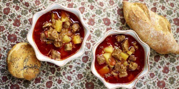 Лучшие блюда из говядины: Суп-гуляш от Джейми Оливера