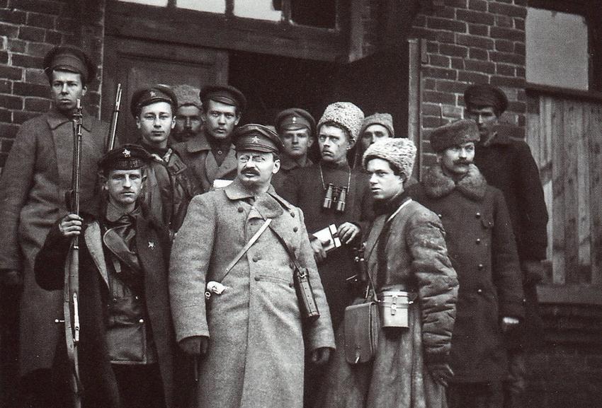 Что планировал сделать Лев Троцкий