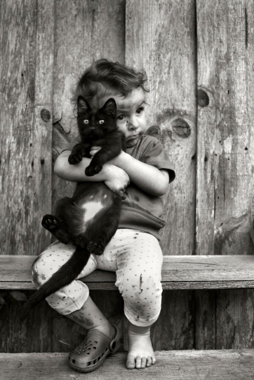 18 черно-белых фотографий с цветным настроением