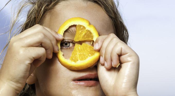 Как не испортить зрение на карантине: 10 лучших продуктов для здоровья глаз