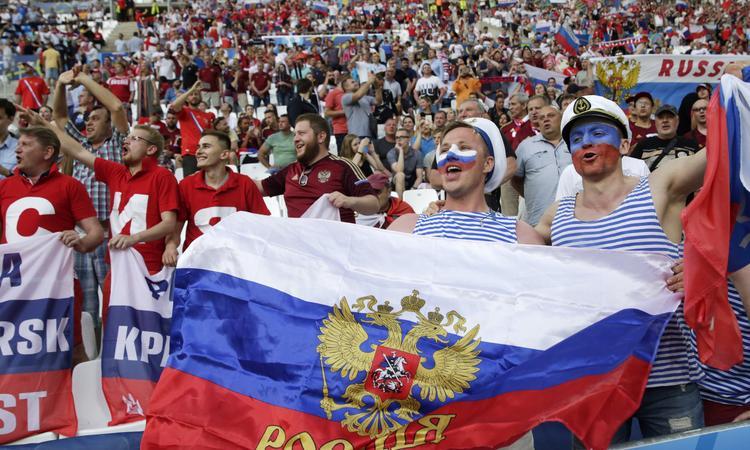 Черное и Белое: Эти афанатевшие русские