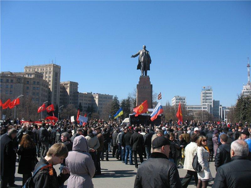 Харьков и Донецк - общий митинг перерастает в антибандеровское восстание