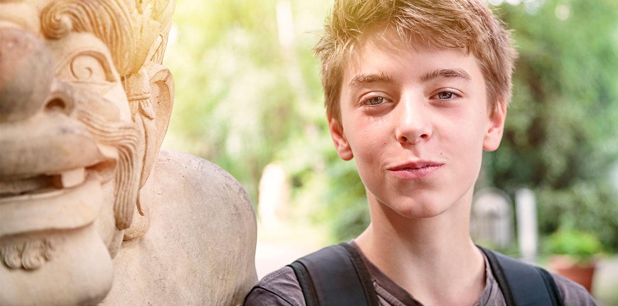 Почему подростки держат своих родителей за идиотов