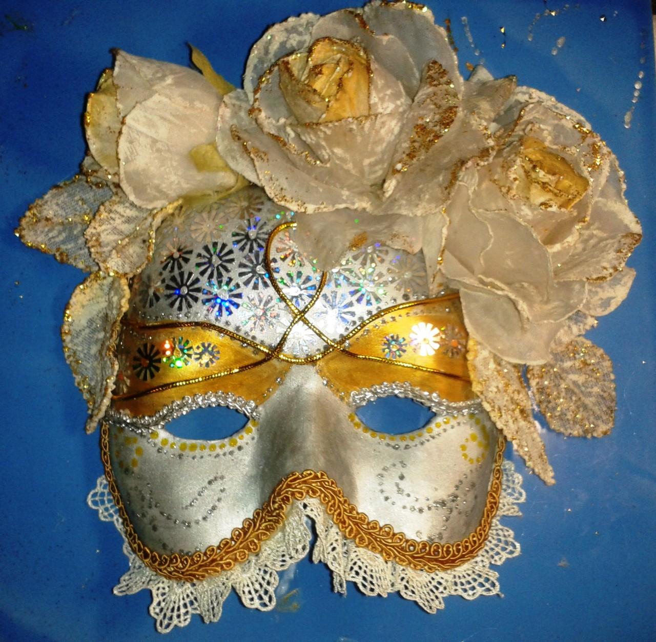 Венецианская маска. Вот такую маску я сделала под впечатлением увиденного.