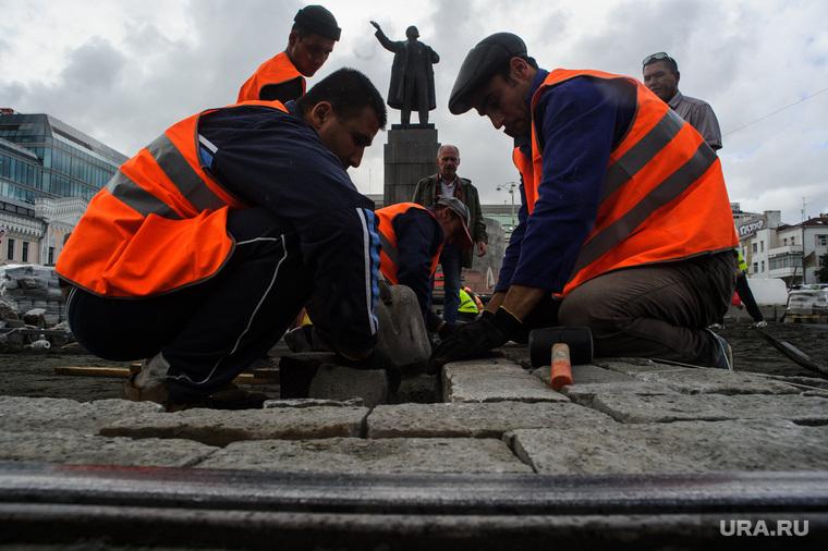 «Таджикам и узбекам Россия уже не очень интересна»