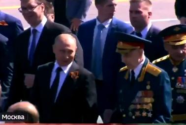 Путин пригласил в Александровский сад ветерана, которого не пропустила охрана