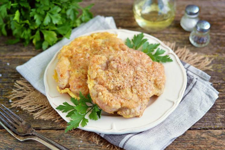Сочные отбивные из свинины в кляре: семь лучших рецептов