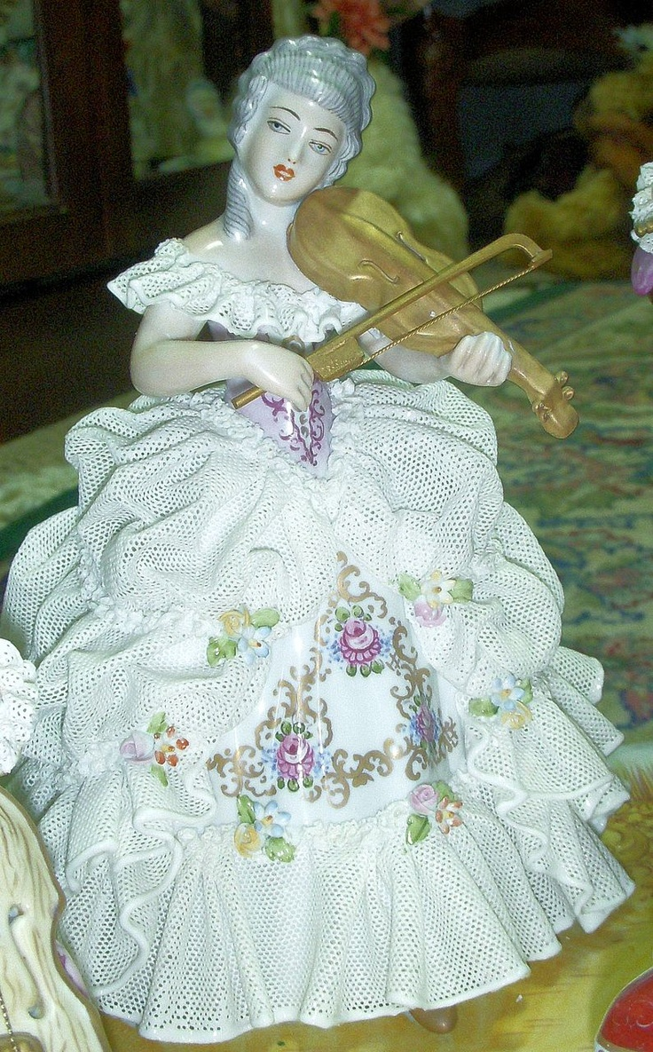 "Huge 20"" Dresden Lace Figurine - Plateau of Musicians ❤❤❤"