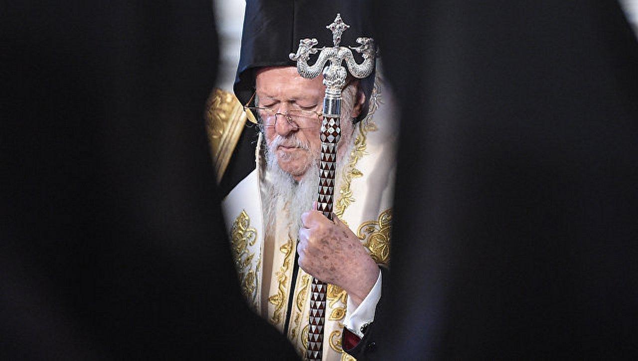 Варфоломей нарушил церковные законы в угоду Западу