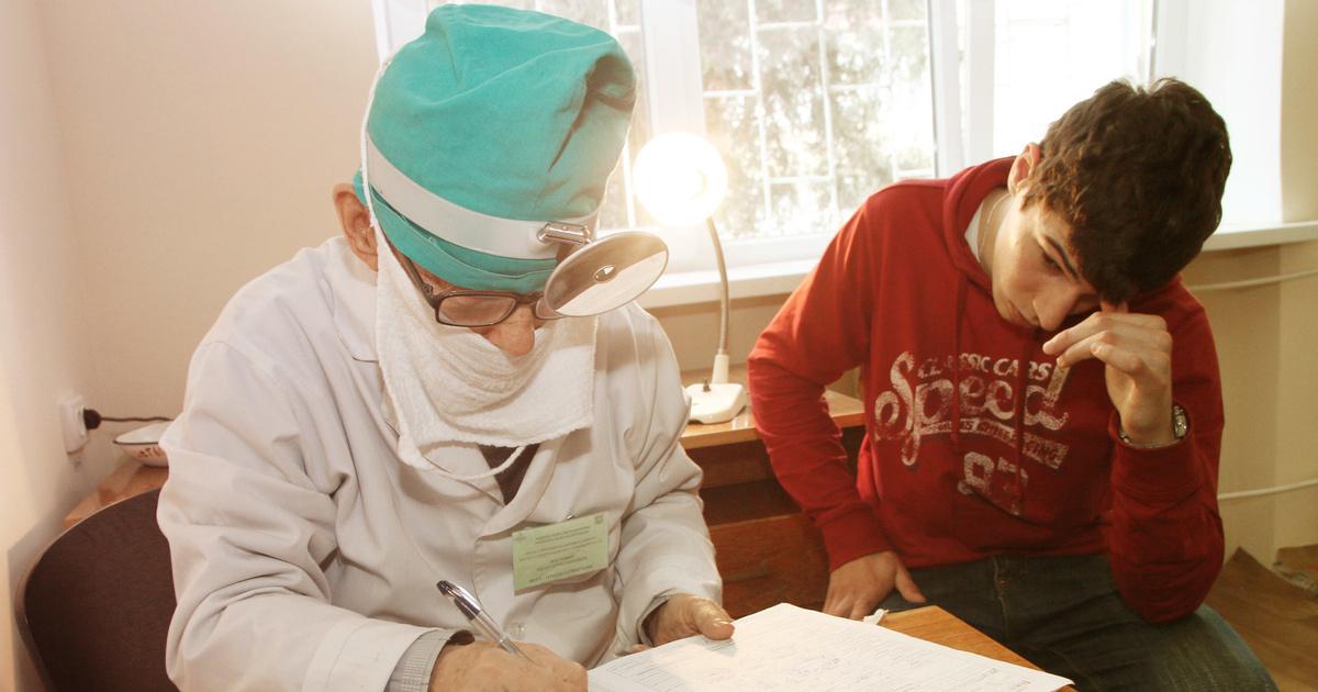 Идите в… Фельдшер — о том, почему медик может послать пациента