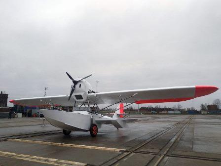 На Средне-Невском судостроительном заводе вывели из цеха реплику первого советского серийного самолёта-амфибии Ш-2