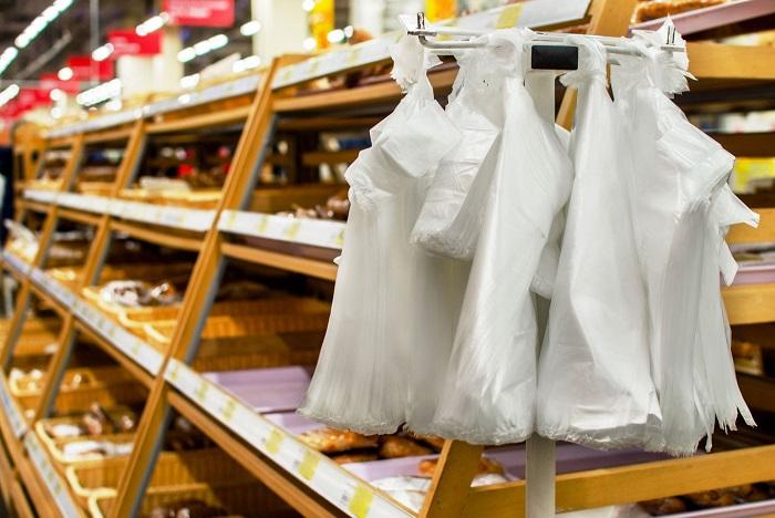 Обычные полиэтиленовые пакеты вредят окружающей среде. / Фото: darakchi.uz