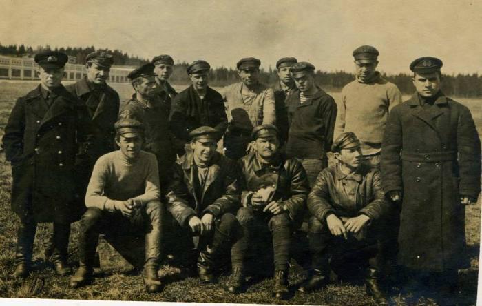 Группа летчиков. 1 мая 1923 года.