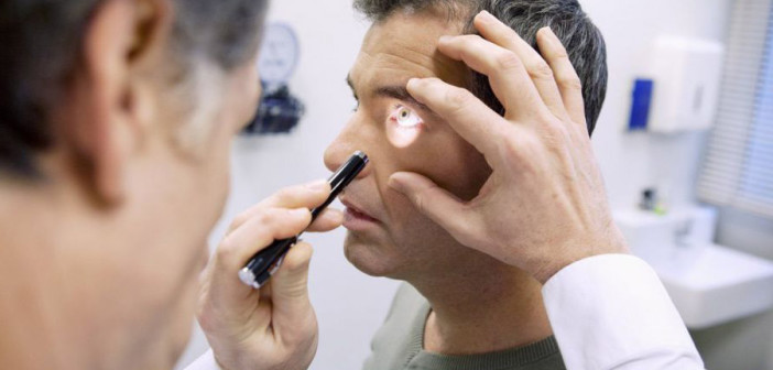 Какие болезни могут привести к потере зрения, рассказали медики