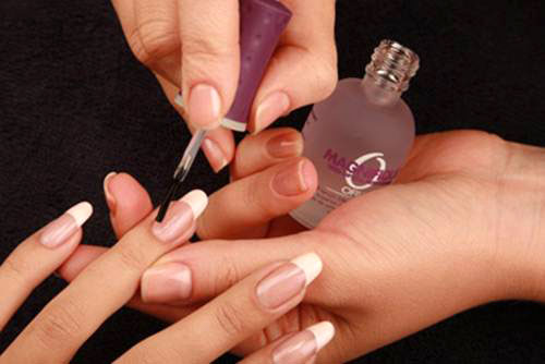 Вы не поверите, что таким способом можно ухаживать за ногтями