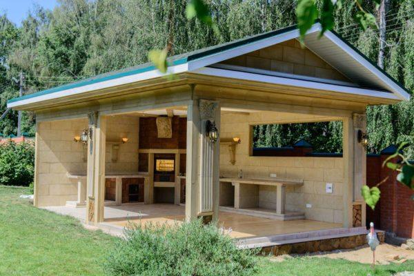 Летняя кухня на даче — проекты строений и рекомендации по выбору оптимального варианта