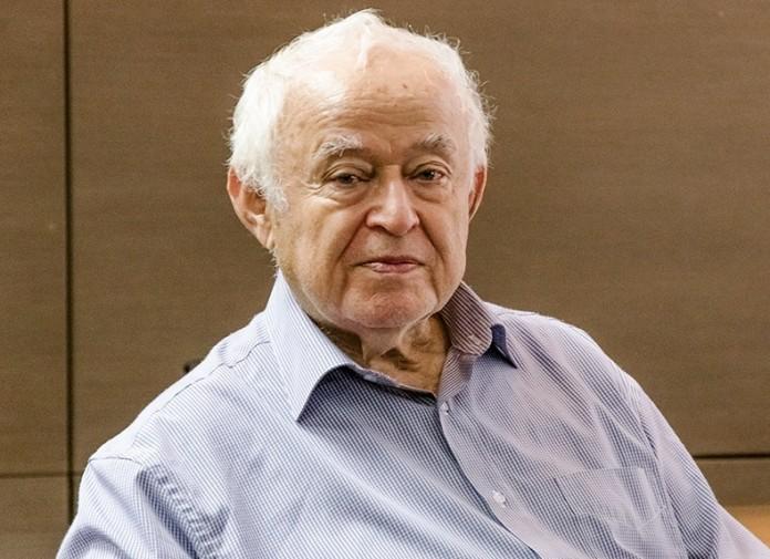 Психолог Михаил Литвак: «У нас женщин воспитывают как проституток»