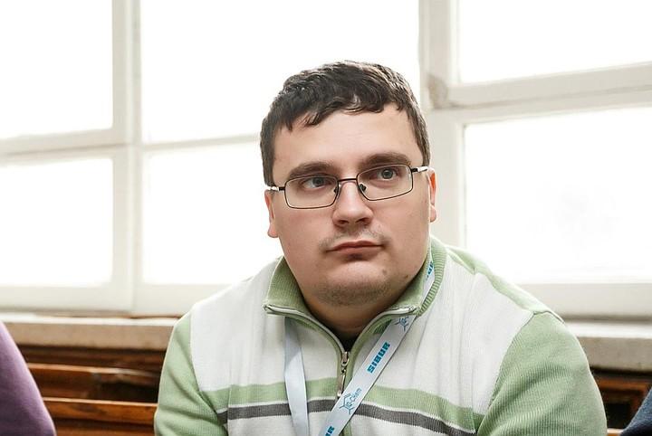 Из высотки МГУ выпал 27-летний аспирант