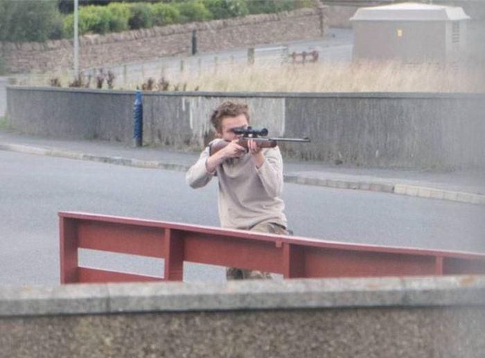 В Великобритании копы сохранили жизнь вооруженному подростку